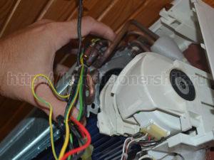 Отсоединили кожух мотора от радиатора