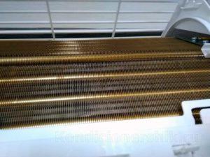 Радиатор внутреннего блока с защитным покрытием от коррозии